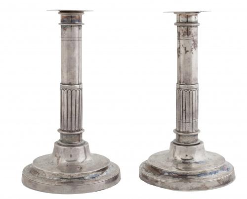 Pareja de candeleros de plata en su color.Córdoba, primer