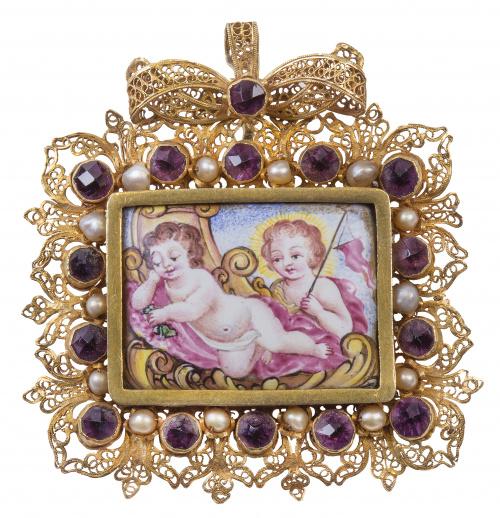 Colgante S. XVII con esmalte polícromo de San Juanito y el