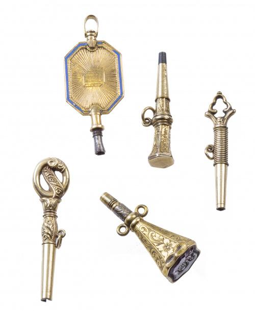 Lote de cinco llaves de reloj S. XVIII-XIX con diferentes d