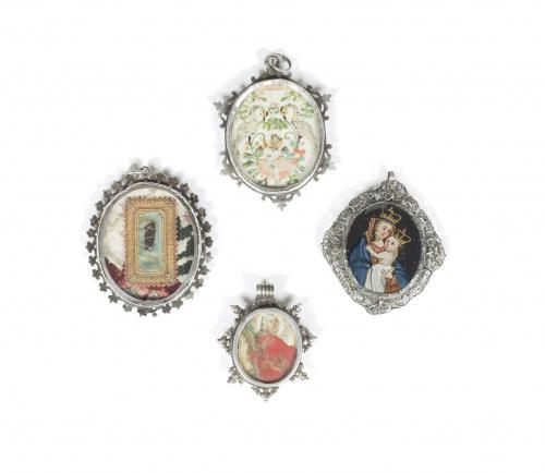 Medalla devocional pintada bajo cristal, con la Virgen con