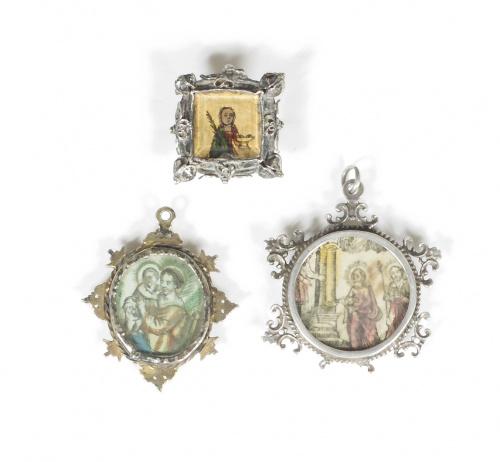 Medalla devocional con marco de plata sobre dorada, viril c