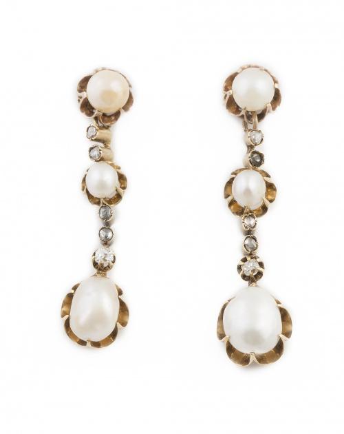 Pendientes largos Victorianos con tres perlas naturales y c