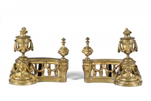 Pareja de morillos de bronce dorado, estilo Luis XVI.Franc