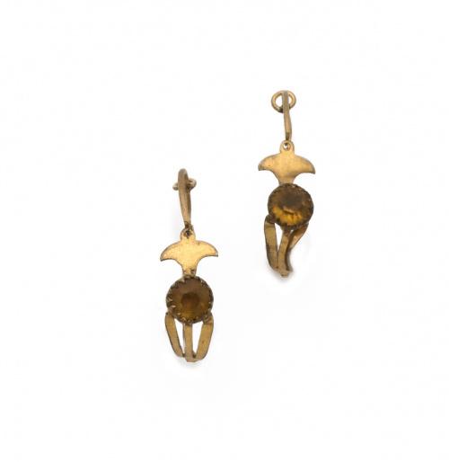Dos parejas de pendientes populares s.XIX en metal dorado.