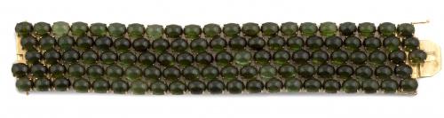 Brazalete de cabuchones de turmalinas verdes dispuestos en