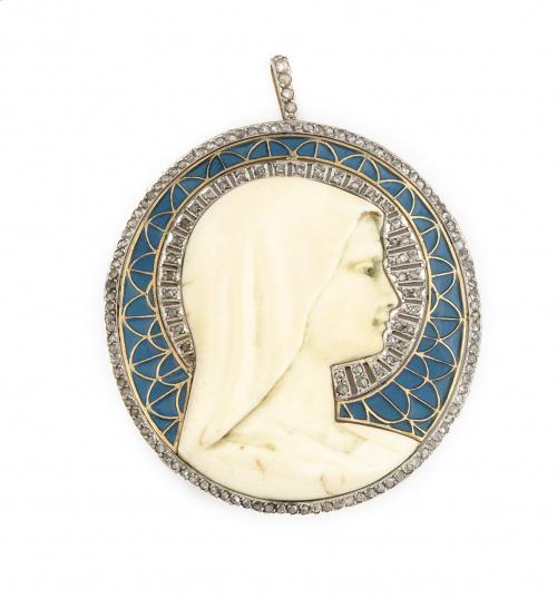 Gran medalla colgante Art-Decó con Virgen de marfil tallado