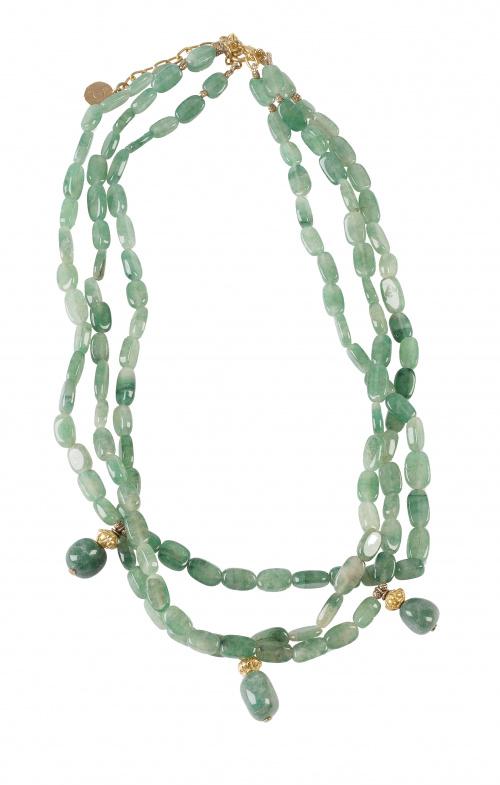 Collar de tres hilos de cuarzo aventurina verde con cierre