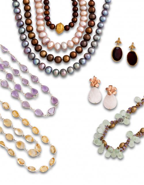 Gargantilla con perlas de agua dulce color cobre y cierre d