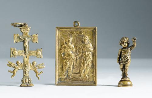 Cruz  relicario de Caravaca en bronce doradoTrabajo españo