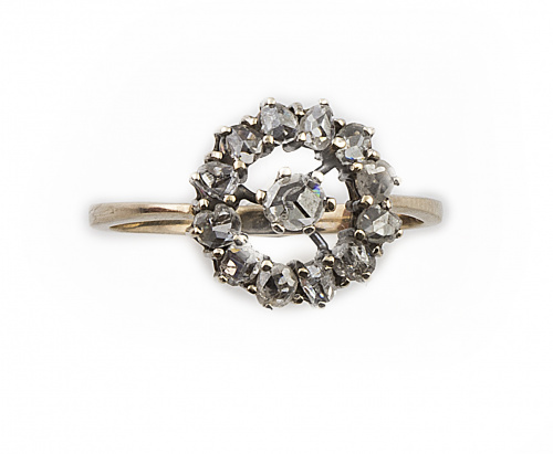 Sortija rosetón diamantes talla antigua en oro de 18K con f