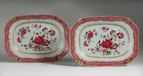 "Pareja de fuentes de porcelana ""Familia rosa"".Compañía de"