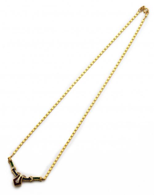 Conjunto de pendientes y collar con rubíes, zafiros esmeral