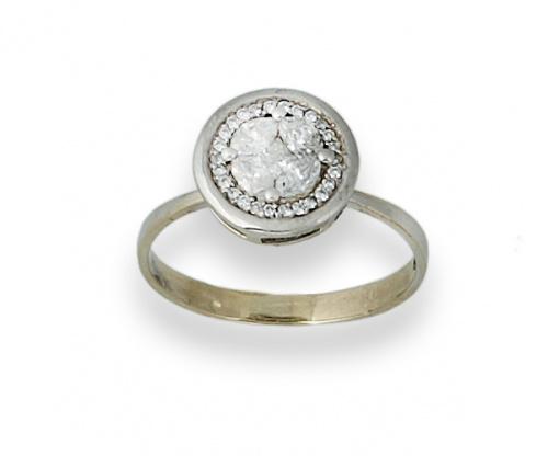 Sortija con centro circular de diamantes talla navette y ca