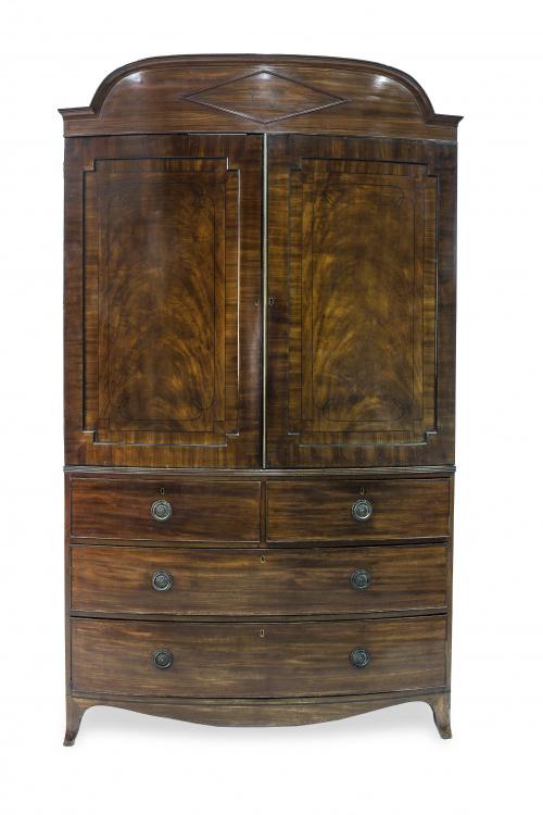 Linen-Press estilo Jorge III en madera de caoba y palma de