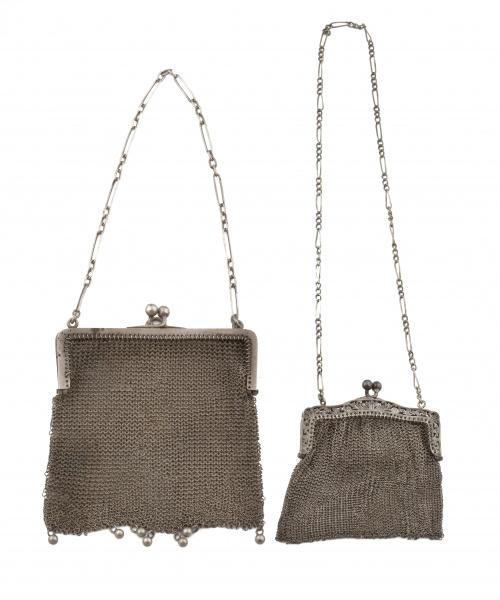 Dos monederos en malla de plata de pp. s.XX