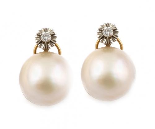 Pendientes con perlas mabe de 18 mm. y brillantes en montur