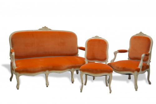 Juego de sofá, dos butacas y una silla estilo Luis XV en ma