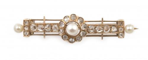Broche victoriano s.XIX con diamantes y perlas finas, en ro
