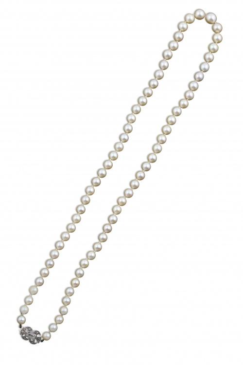 Collar Art-Decó de un hilo de perlas cultivadas con cierre