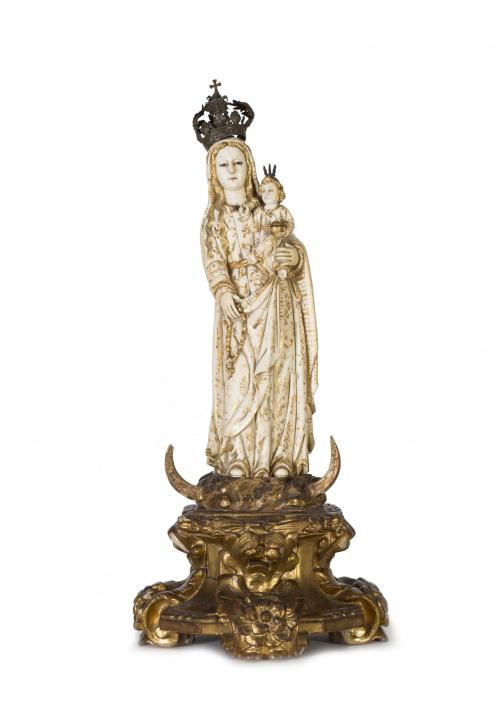 Mesa de centro estilo Luis XVI en bronce y espejo.S. XX