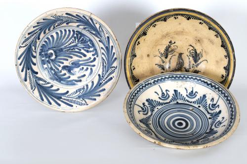 Plato acuencado de cerámica esmaltada de la serie hojas de