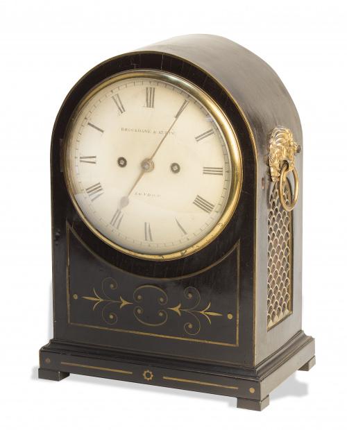 Brockbank & Atkins (1815-1840)Reloj de sobremesa con caja