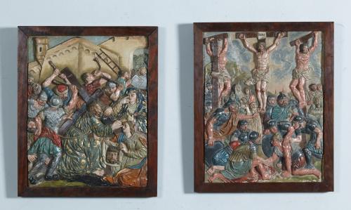 """Dos placas en bajo relieve de terracota policromada.""""Crist"""