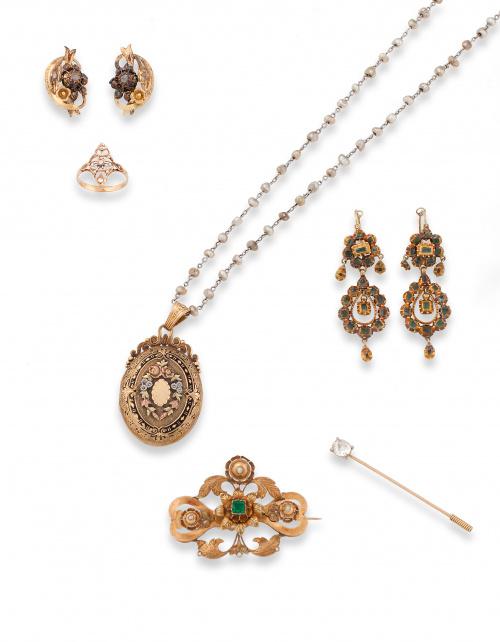 Pendientes s.XIX con flores de diamantes talla rosa entre c