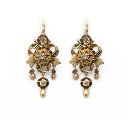 Pendientes s.XIX con flores de diamantes de talla rosa, ent
