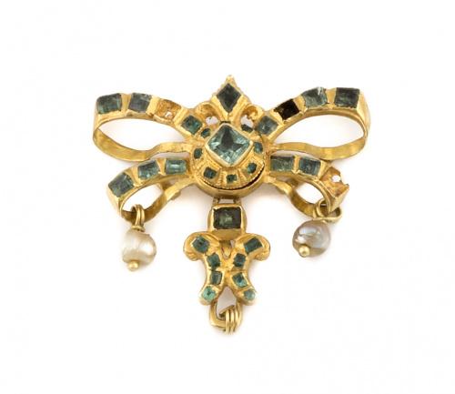 Broche lazo de esmeraldas y perlas colgantes S.XVIII-XIX