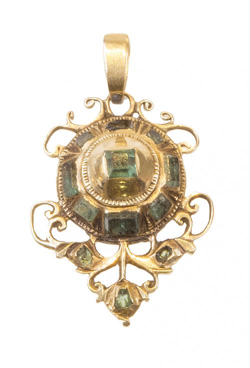 Colgante botón de esmeraldas S. XVIII-XIX con adornos de fi
