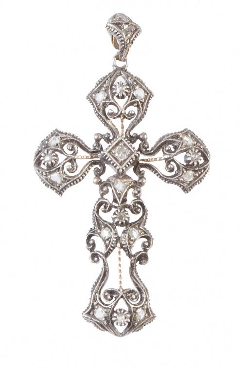Cruz colgante de pp. S. XX con decoración calada adornada c