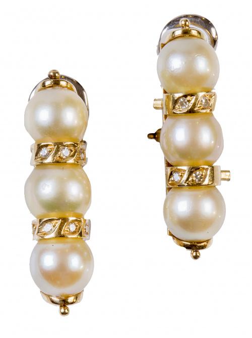 Pendientes largos en forma de columna, con tres perlas entr