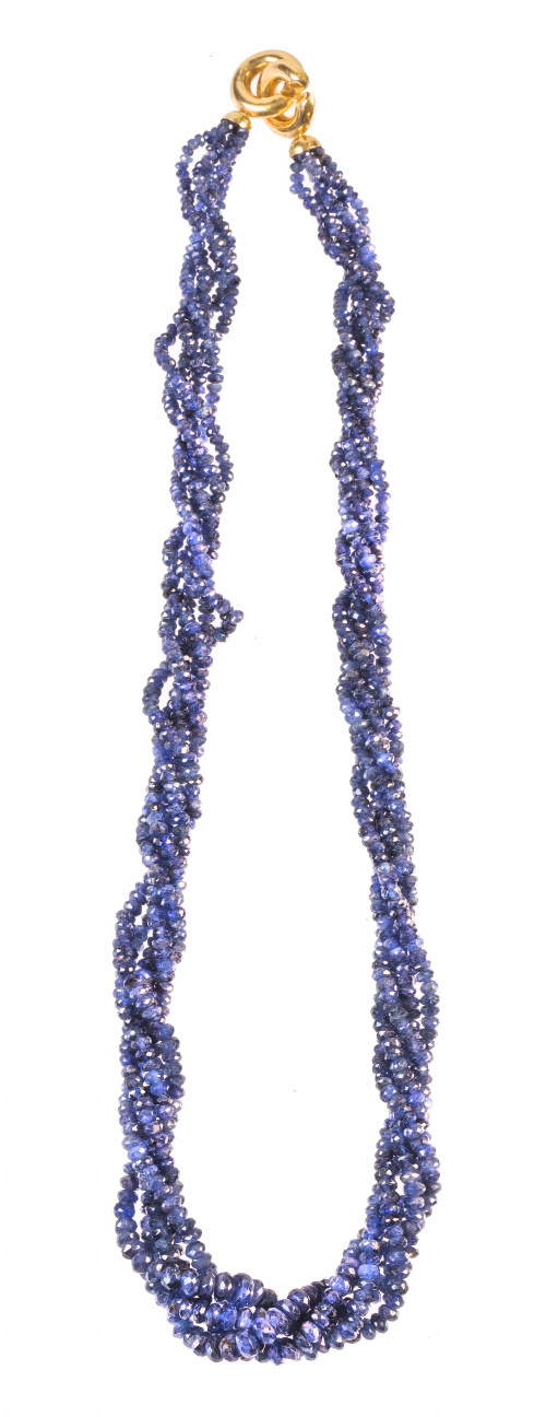 Collar de cinco hilos de zafiros facetados de tamaño crecie