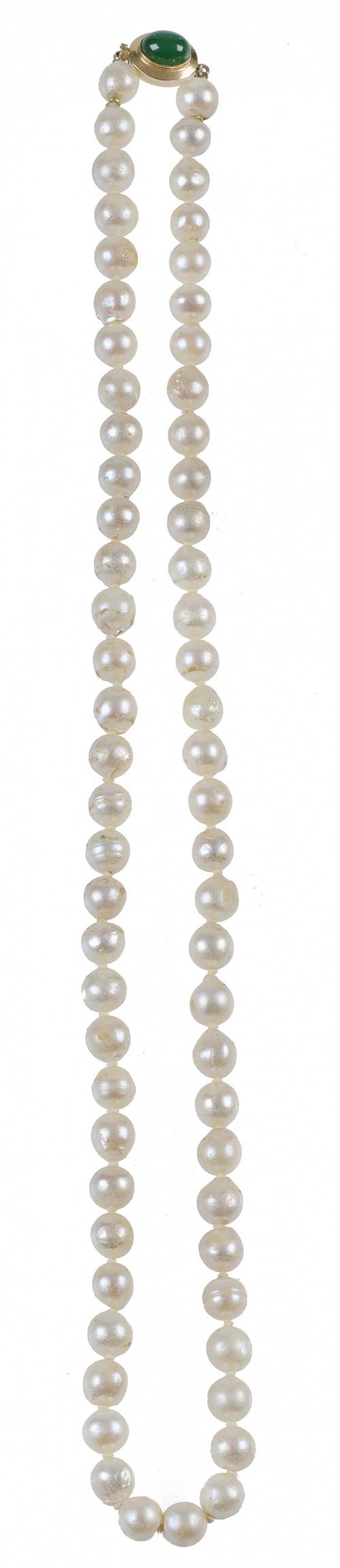 Collar de un hilo de perlas cultivadas de 8 mm de diámetro