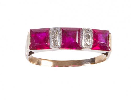 Sortija tresillo de años 30 con rubíes sintéticos y diamant