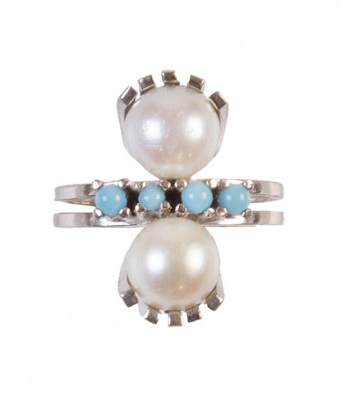 Sortija lanzadera con dos perlas cultivadas y turquesas cen
