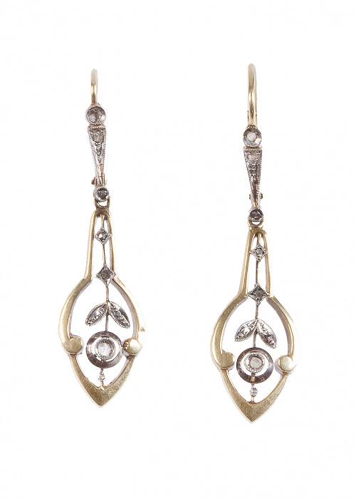 Pendientes largos Art-Nouveau de diamantes con formas veget