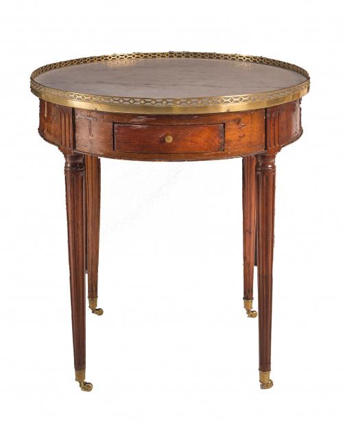 Mesa de madera de caoba, Luis XVI, con corredor de remate d