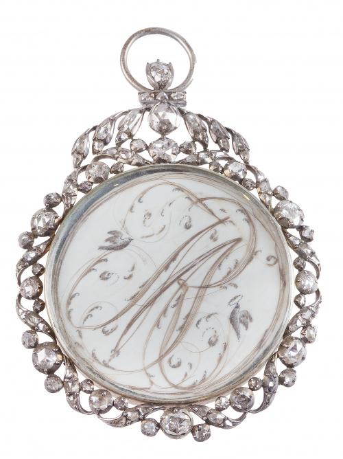 Colgante guardapelo S. XVIII de diamantes de talla rosa, co