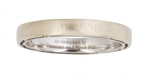 Sortija alianza DAMIANI, codiseñada por Brad Pitt, con bril