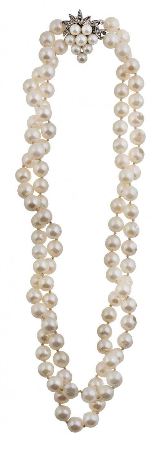 Collar de dos hilos de perlas cultivadas con cierre de raci