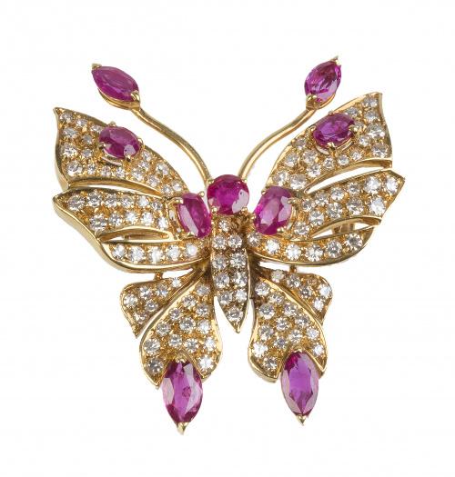 Broche con diseño de mariposa de brillantes y rubíes de tal