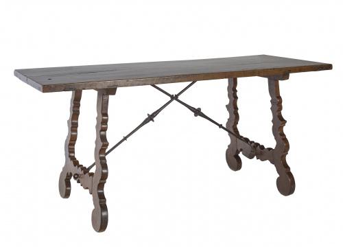 Bufete en madera con patas de lira.Trabajo español, S. XV