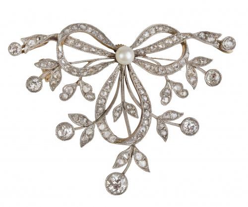 Broche Belle Epoque con diseño de lazo y ramitas de diamant