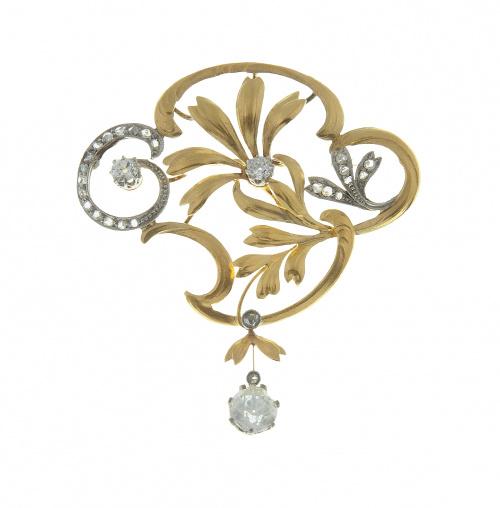 Broche Art Nouveau con diseño floral adornado con diamantes