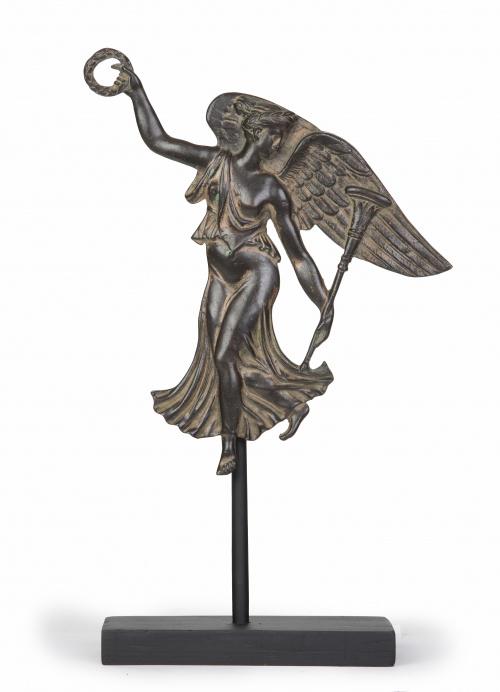 Figura clásica alada de bronce, S. XIX.
