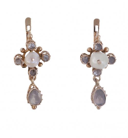 Pendientes largos S. XIX con diamantes perilla de talla ros
