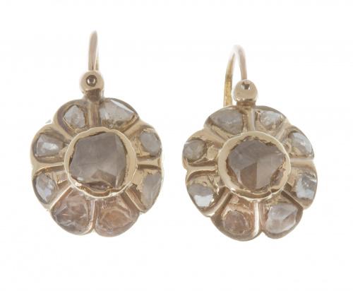 Pendientes S. XIX con rosetón de diamantes