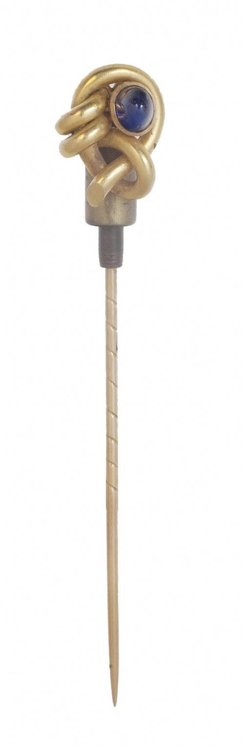 Alfiler de corbata de pp. S XX con diseño de nudo y cabuchó